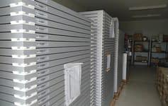 倉庫は整頓され、すべてのアイテムは自分の場所にあります
